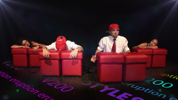 The show must go on | E BODA V200 | TEHNICI MIXTE